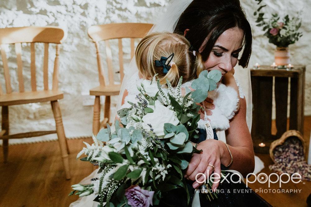 LJ_wedding_cosawesbarton_22.jpg