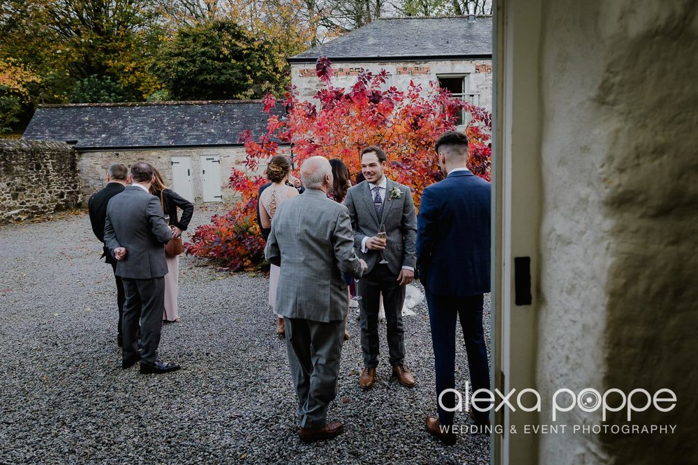 LJ_wedding_cosawesbarton_30.jpg
