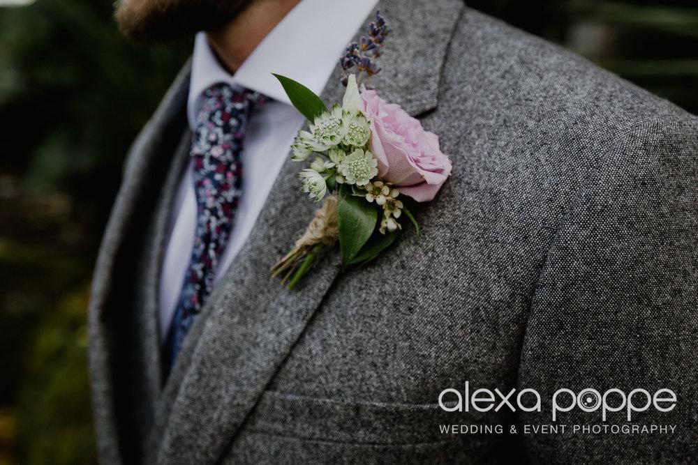 LJ_wedding_cosawesbarton_35.jpg