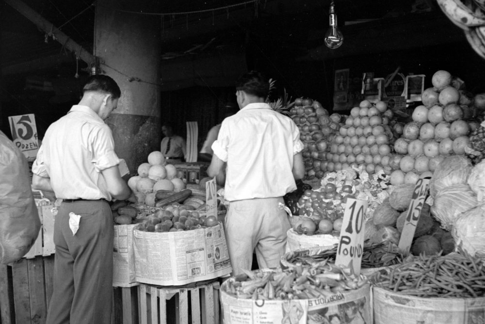 Marketplace in the French quarters of New Orleans, 1936, Courtesy of Library of Congress