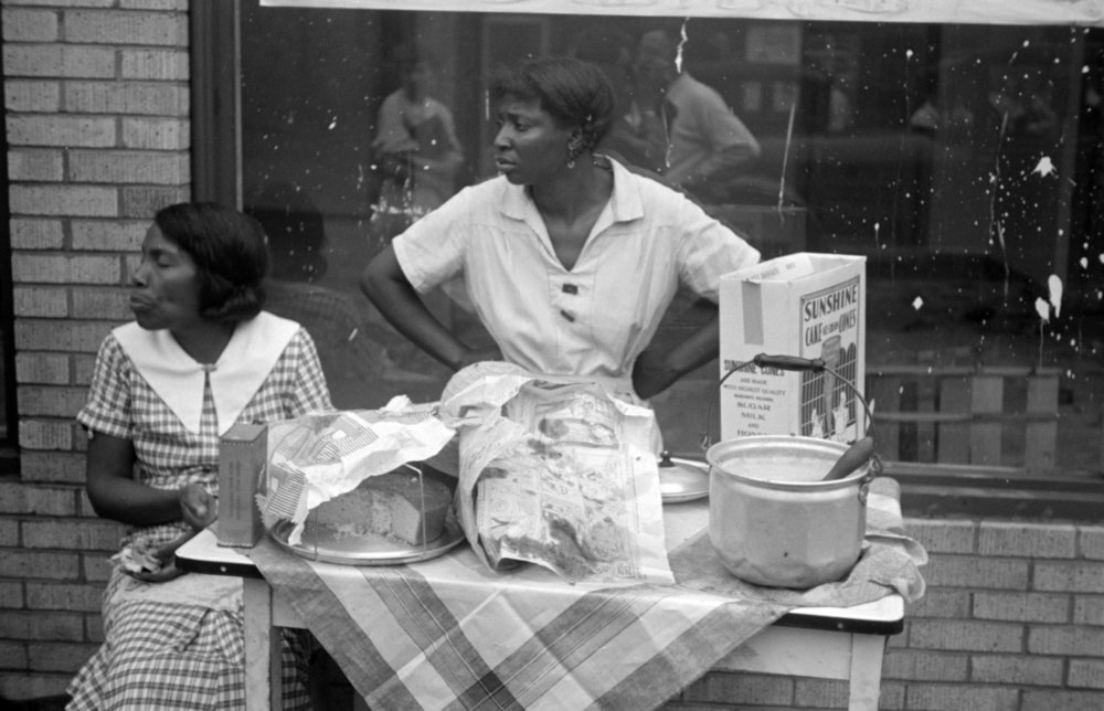 Women selling baked goods, Courtesy of the Library of Congress