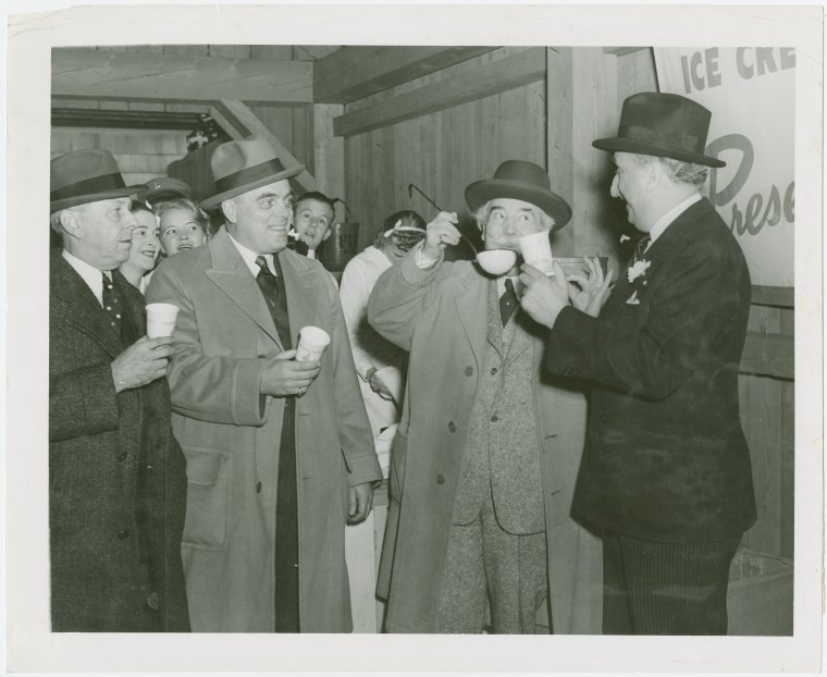 Eating clam chowder, New York World's Fair 1939-1940, Courtesy of the New York Public Library