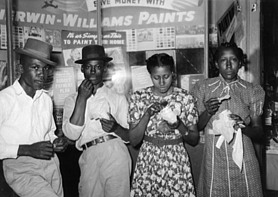 Eating Ice Cream, San Augustine, Texas, 1939, Courtesy of the Library of Congress