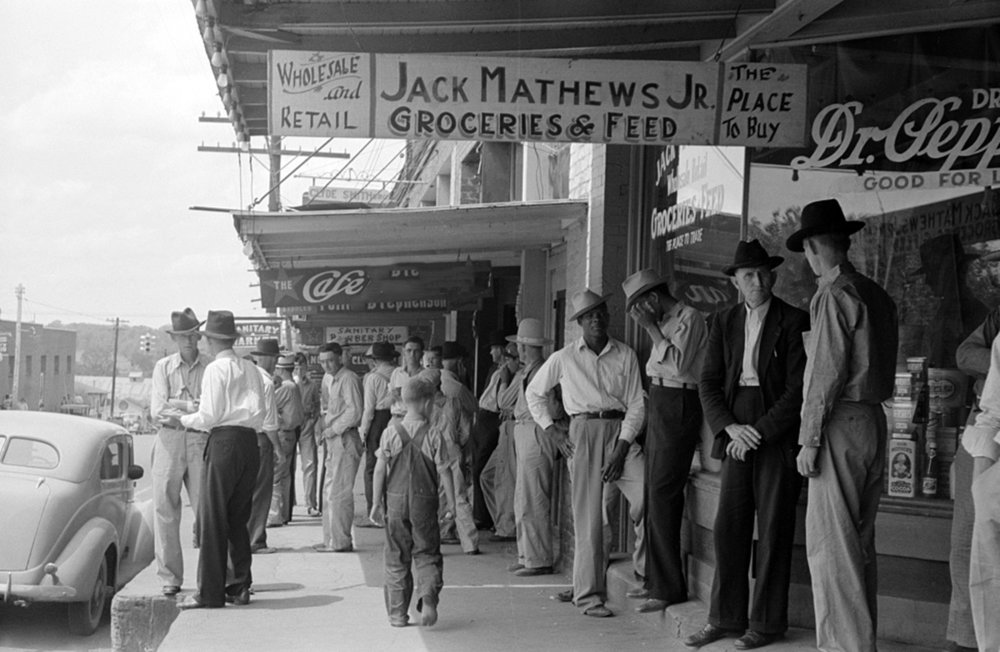 1939 country store seen, Courtesy of Library of Congress