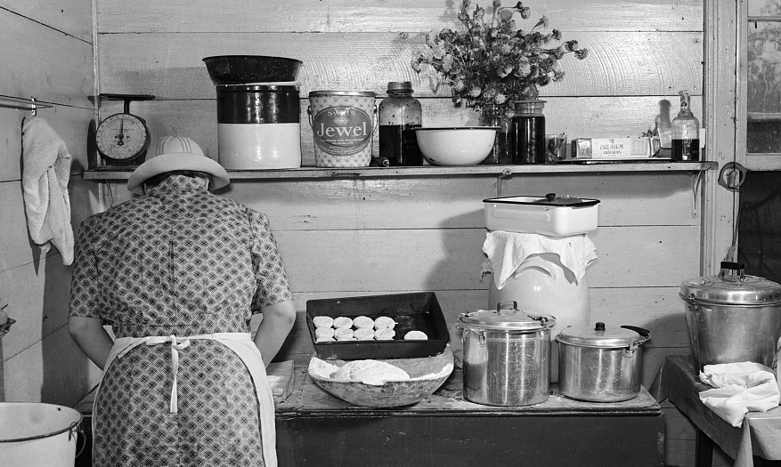 Making biscuits in 1943, Courtesy of the Library of Congress