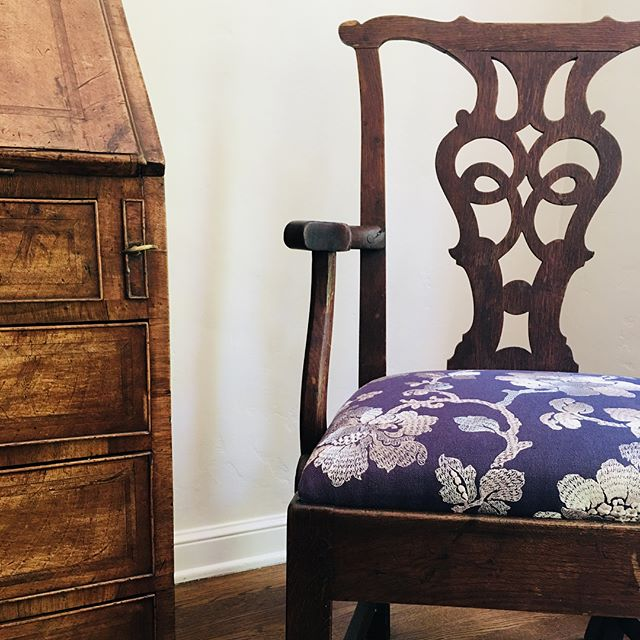 Every chair needs some fabric.  #newlook #upholsteredchair #fabric #textiles #interior #elegant #chic #lovingblue #cotton #embroidery #menlopark #alliedarts