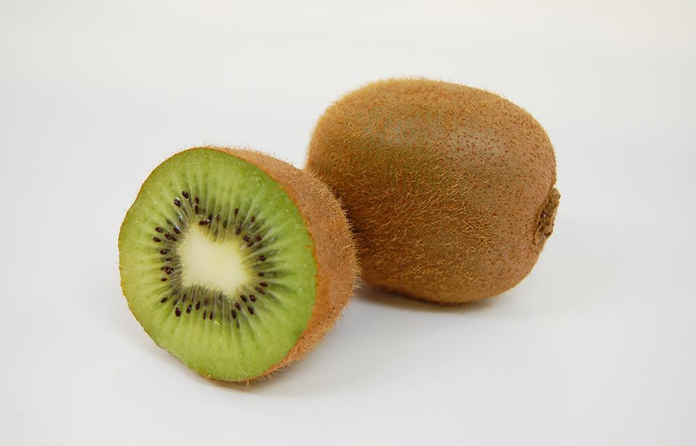 Kiwifruit_1Whole_1Cut.jpg