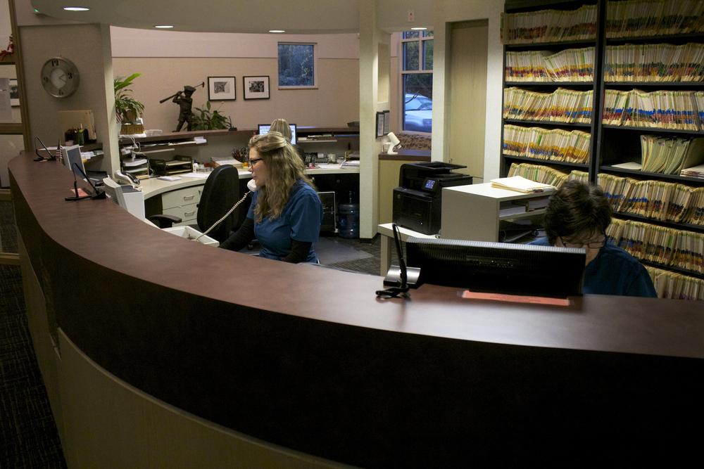 receptionist2.jpg