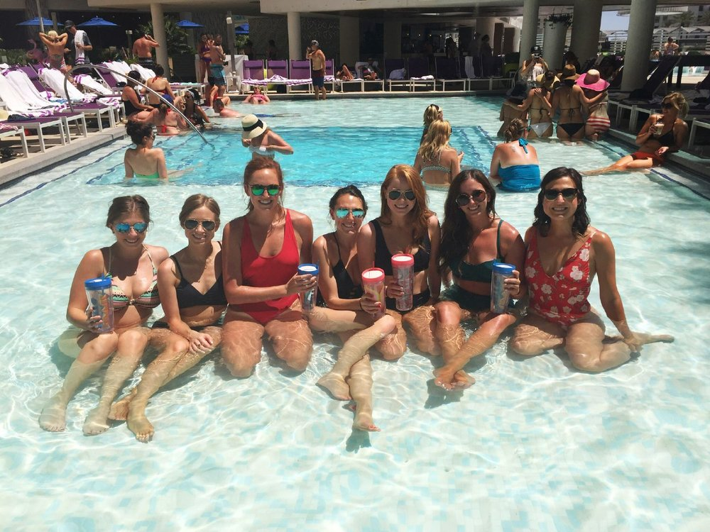 06 /  Laura's bachelorette party in Vegas