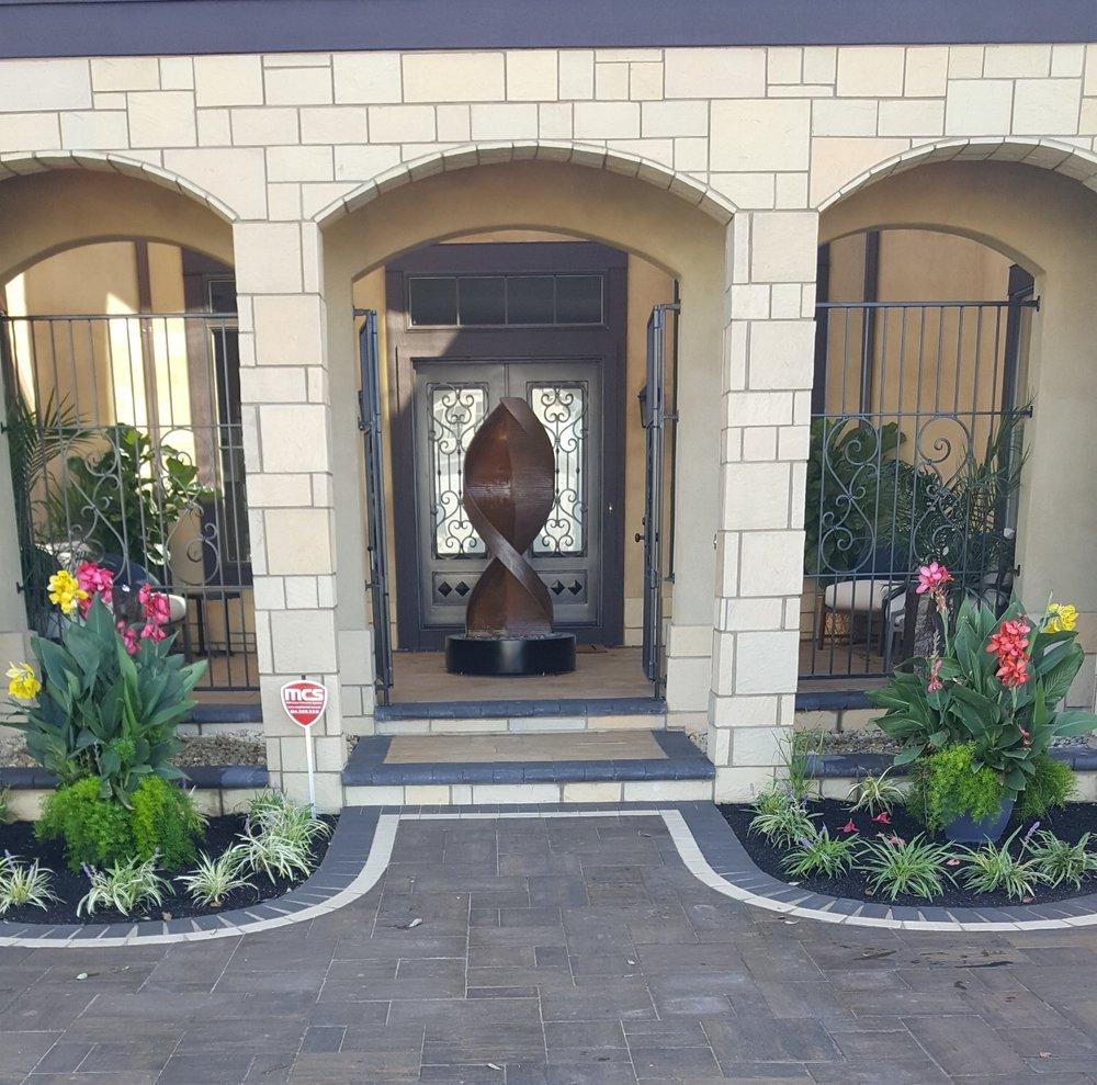 Castia Stone Parade Entrance.jpg