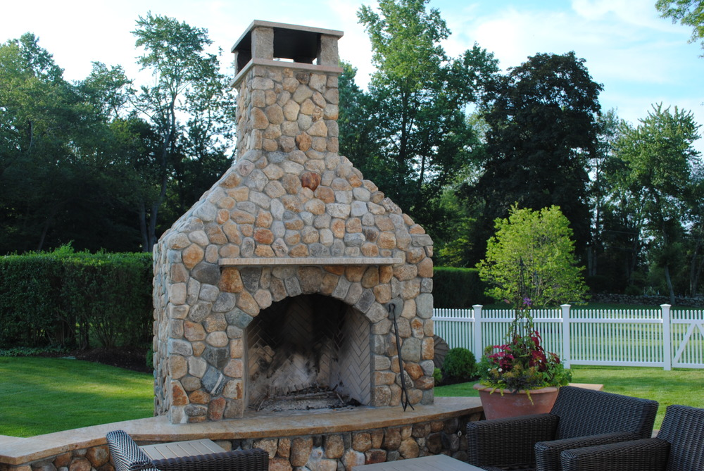 good-garden-darien-fireplace.JPG