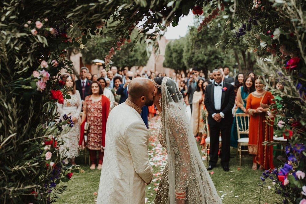 0000018_6C4A0351_Weddings_Junebugweddings_Morocco_Destination_Dress.jpg