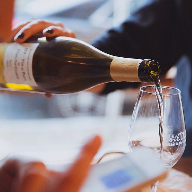 Étienne Thiebaud, IGP Vin de pays de Franche-Comté. Chardonnay 2014. Domaine des Cavarodes. Jura.  #culsec #pastaga #naturalwine #vinnature #winelovers #instagood #instawine #restaurantmontreal #winebar