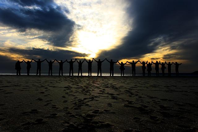 togetherness-1880155_640.jpg