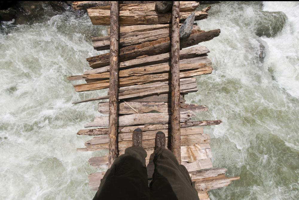 نتيجة بحث الصور عن puentes mas peligrosos del mundo