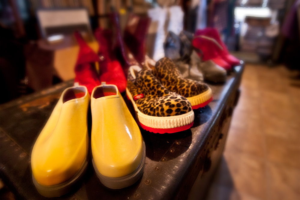 Fashion stylists work very hard to select the perfect shoes to match a model's wardrobe. As a photographer, the least you can do is include the model's feet in the shot so we can enjoy te entire look. Photo ©Steven Paul Hlavac.