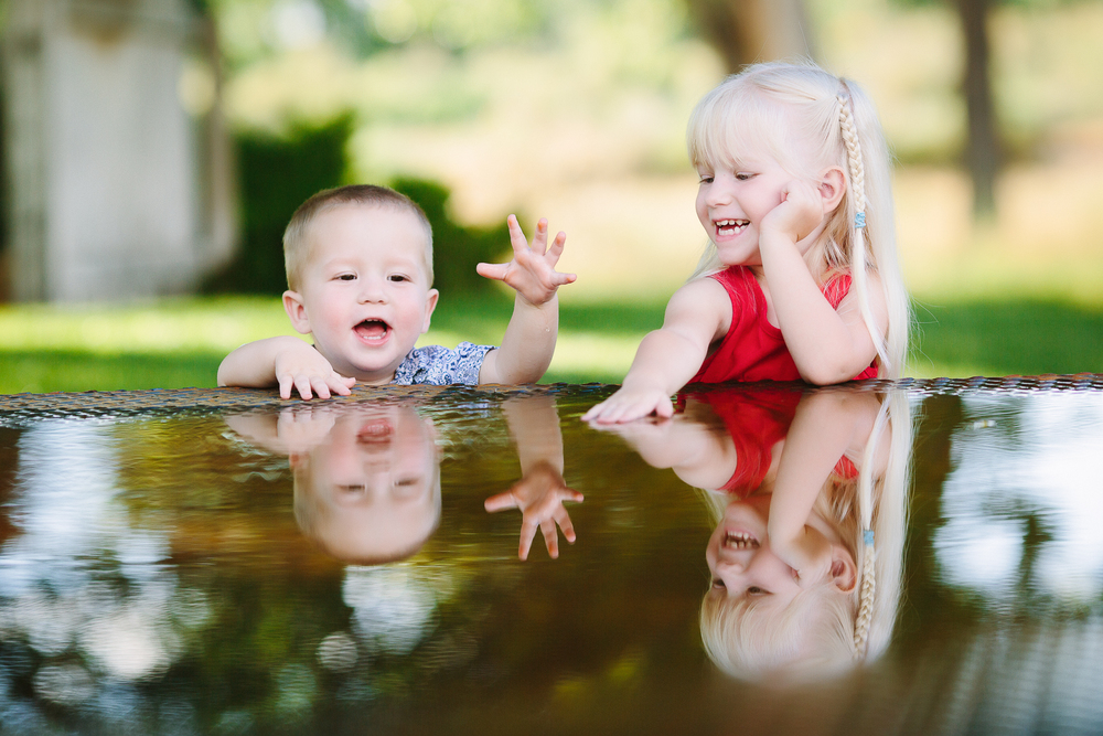 Cat Mayer Studio |  http://www.catmayerstudio.com  | Grand Junction Photographer | Toddlers playing in water puddle
