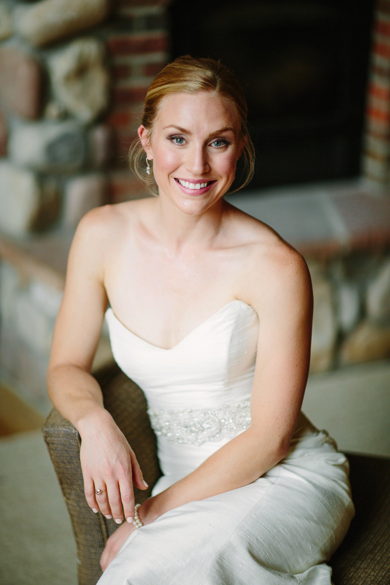 Aspen bride / Aspen wedding photographer / www.catmayerstudio.com