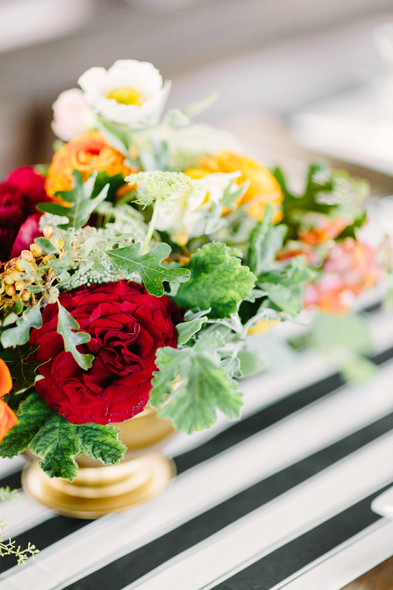 Aspen wedding table centerpieces / Aspen wedding photographer / www.catmayerstudio.com