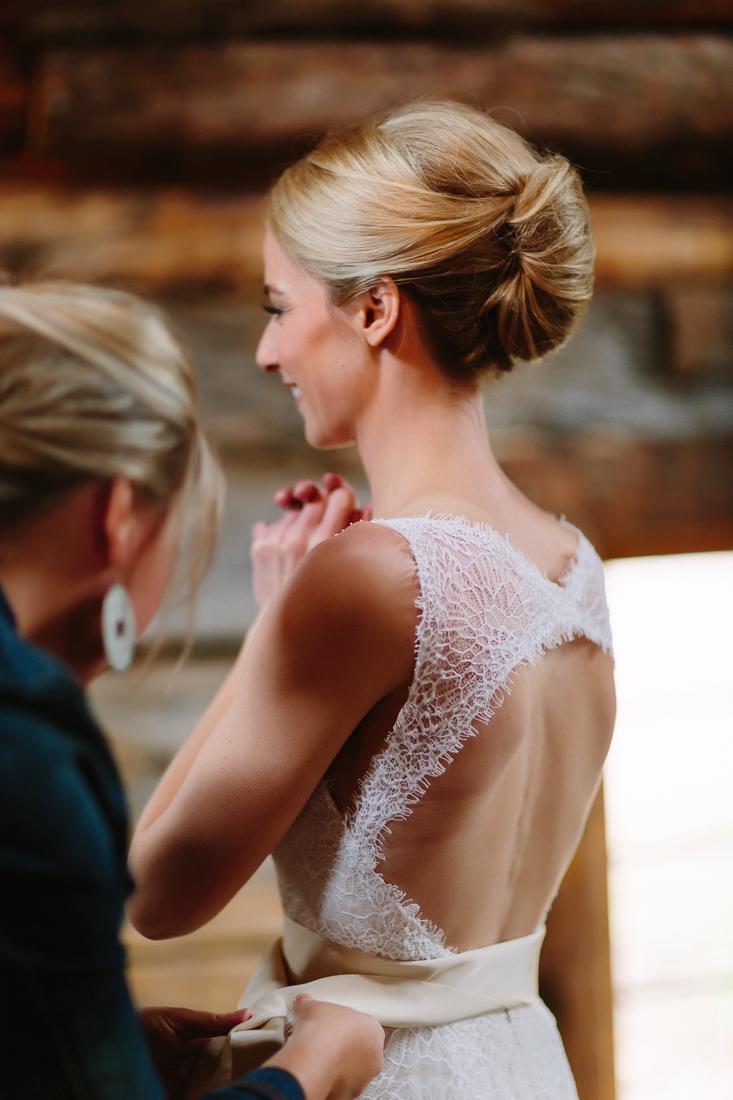 bride getting ready at Gorrono Saloon