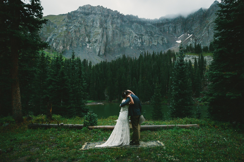 Wedding kiss | Telluride Alta Lakes Observatory | Cat Mayer Studio