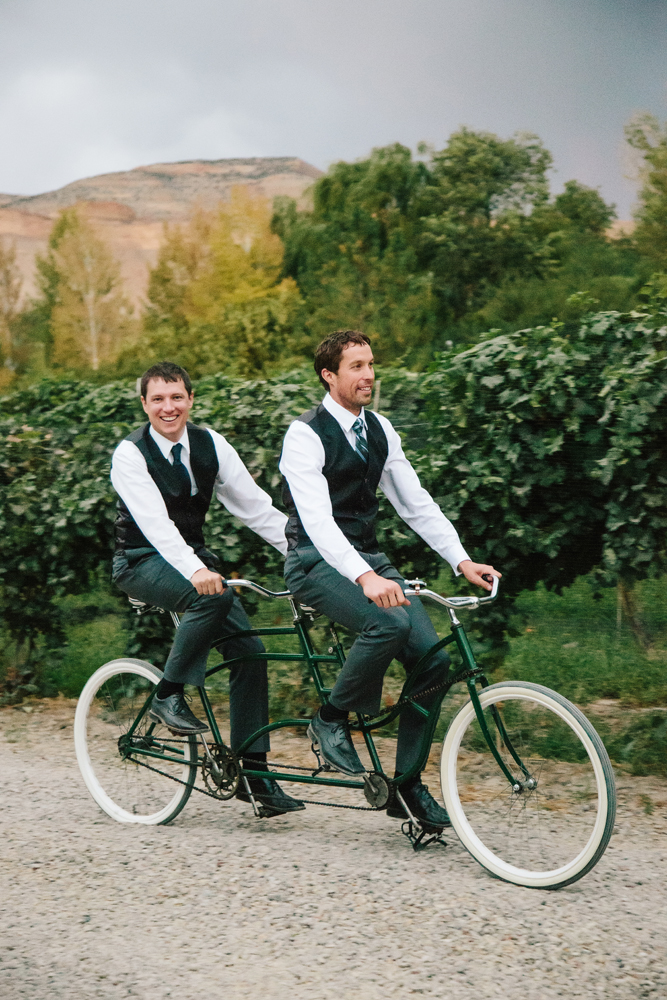 Cat Mayer Studio | www.catmayerstudio.com | Grand Junction Wedding Photography | Groomsmen riding bike for two