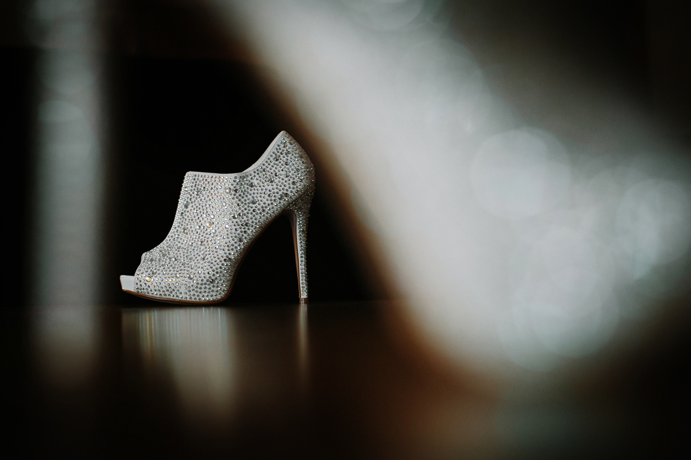 Cat Mayer Studio | www.catmayerstudio.com | Vail Beaver Creek Wedding | Bride's bootie peeptoe shoes