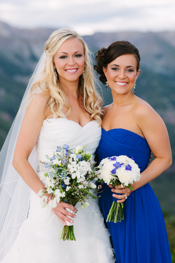 Cat Mayer Studio | www.catmayerstudio.com | Telluride wedding photography | Bride with her sister and maid of honor