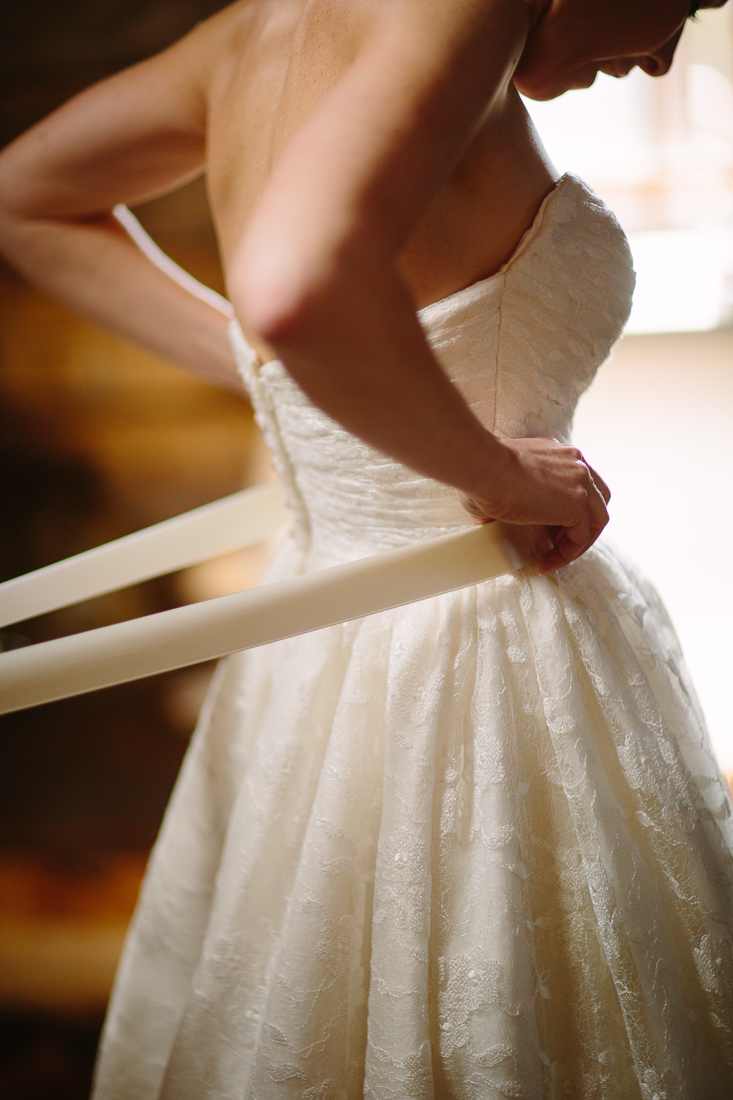 Bride Getting Ready Before Wedding | Cat Mayer Studio | www.catmayerstudio.com
