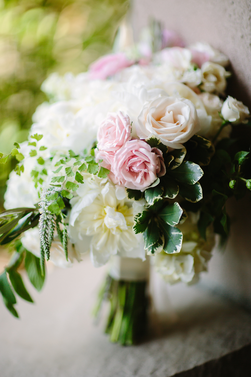 White and Pink Rose Bouquet | Cay Mayer Studio | www.catmayerstudio.com