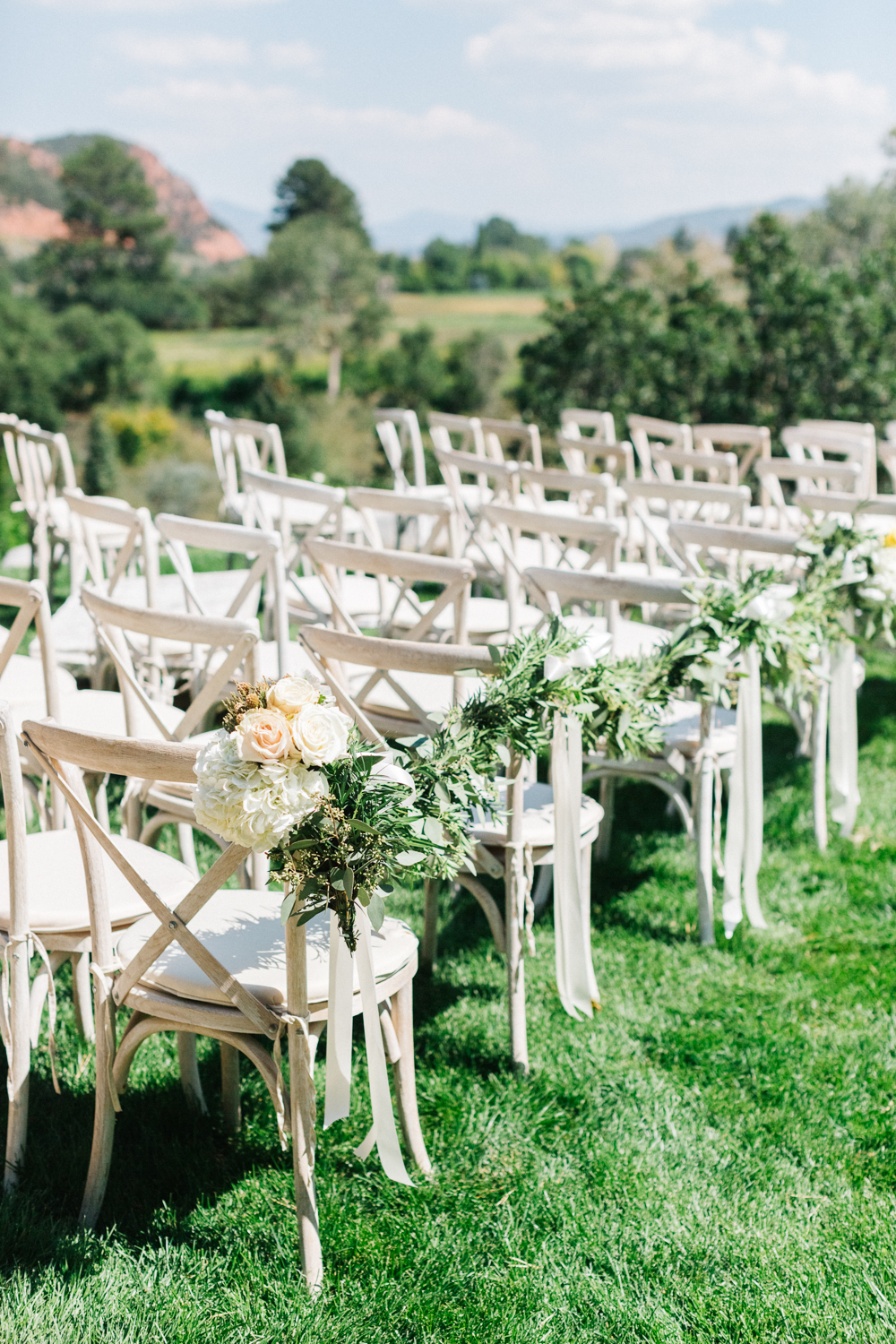 Wedding at Flying Dog Ranch in Carbondale, Colorado. Photos: Cat Mayer