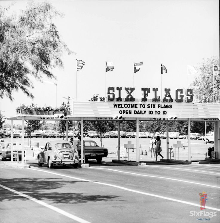 3b521008ed09acc6399a5784526527d2--six-flags-amusement.jpg