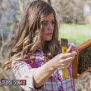 Tara visits Studio 512 to talk bees