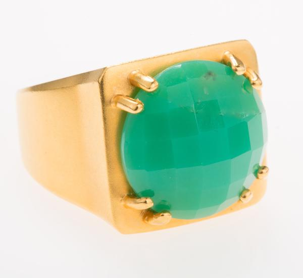 Van H Tortuga Ring in Crysophrese $325