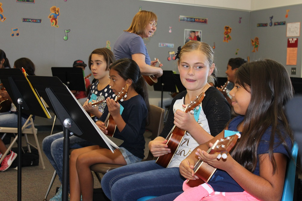 Escalona Elementary 5th grade students study ukulele.