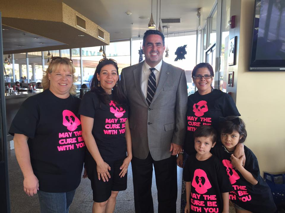 Mayor Alex Saab, center, at the Downey Relay for Life kick-off event earlier this month.
