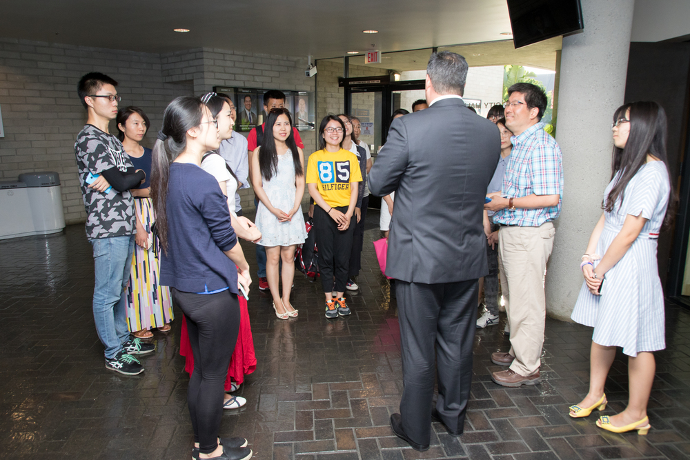 Mayor Alex Saab speaks to Chinese college students visiting Downey as part of a study abroad program through Cal State Long Beach.