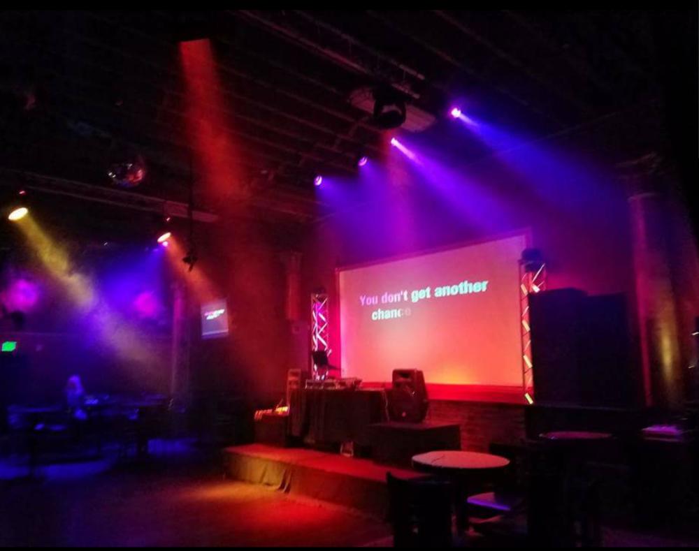 karaoke bar epic lounge.png