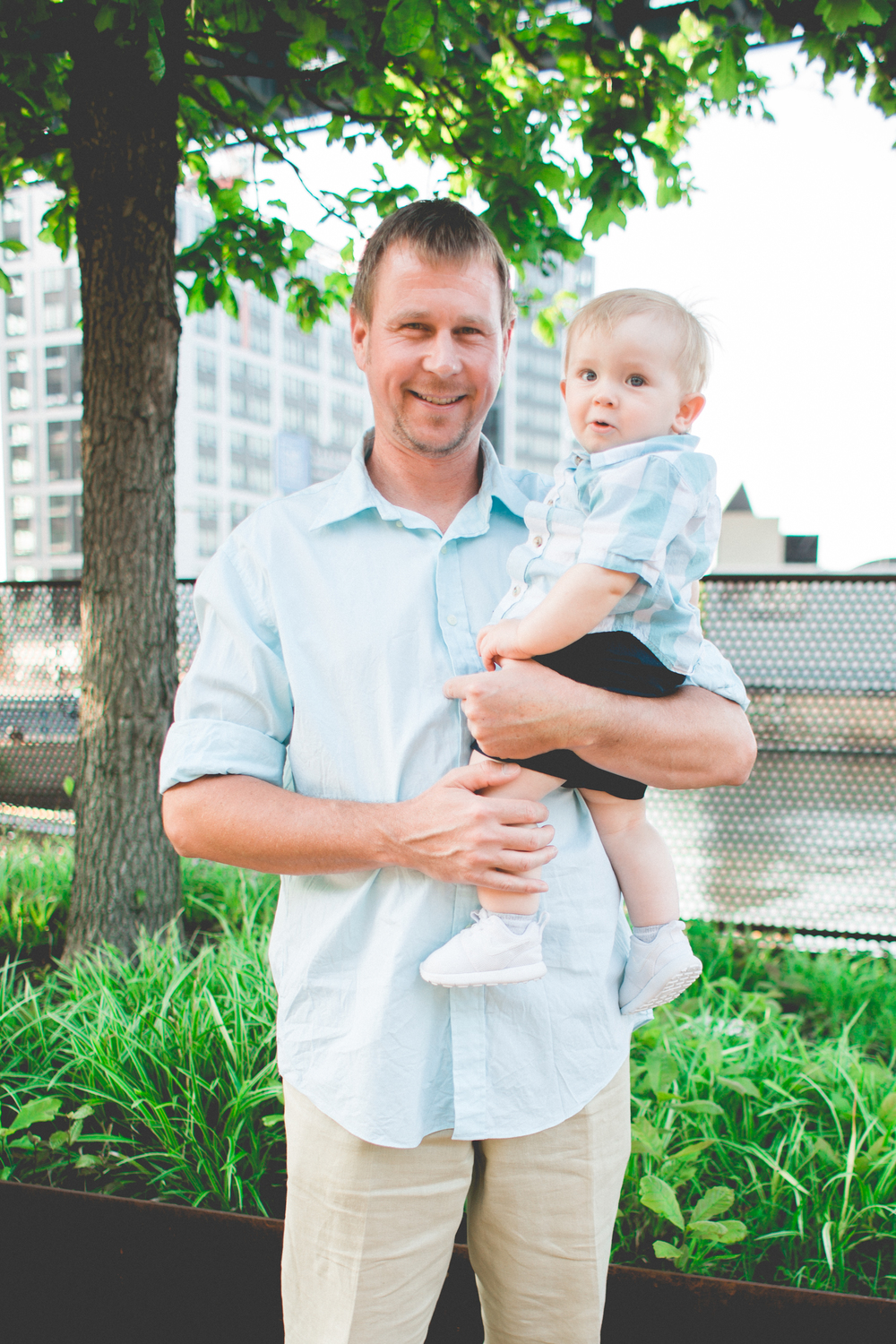 baby and daddy, baby photoshoot, philadelphia, race street pier, philadelphia photographer