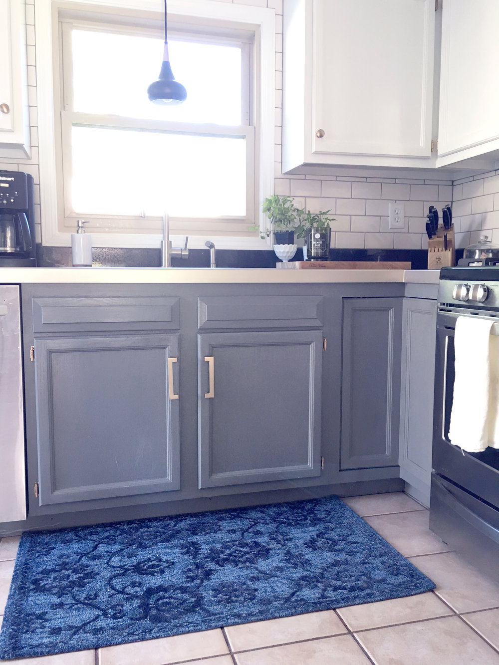 kitchen rug | white and grey cabinets