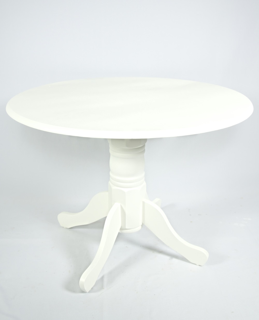 Round Vintage Sweetheart Table