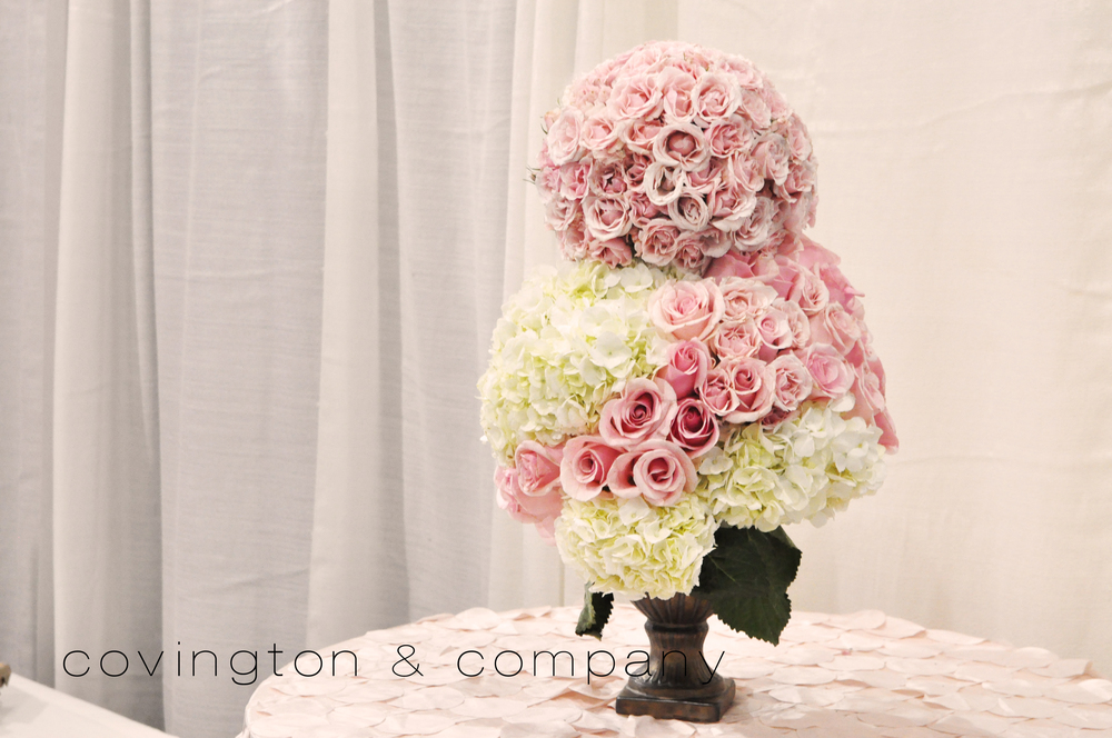 DoubleTree Bridal Show Booth Floral.jpg