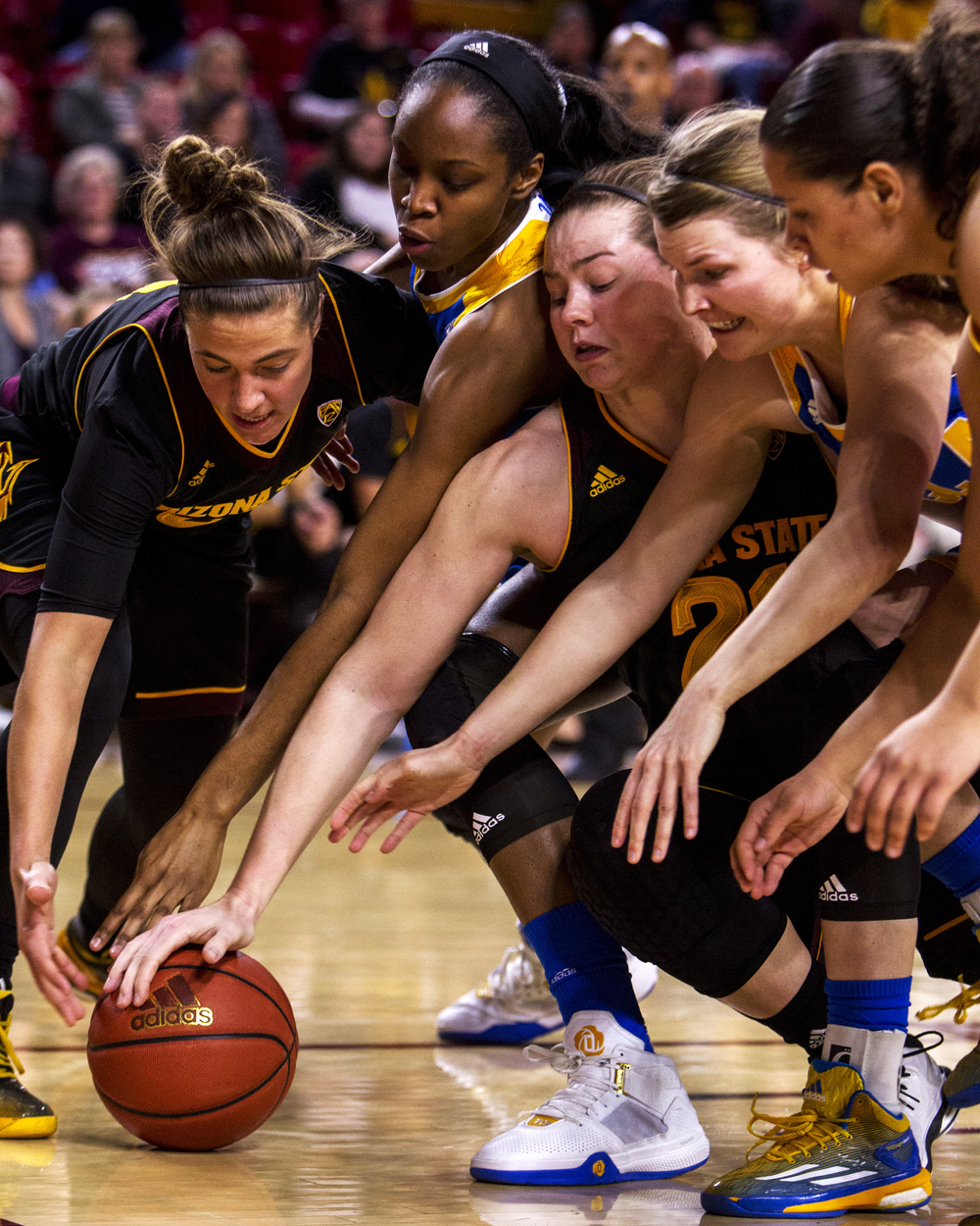 Arizona State forces a jump ball against UCLA in the first quarter on Friday, Feb. 5, 2016 at Wells Fargo Arena in Tempe, Ariz. Arizona State won, 65-61.