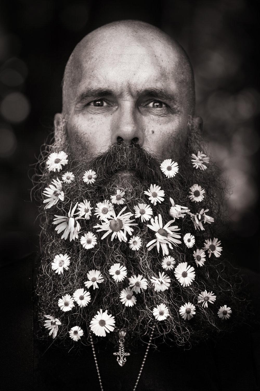 Porträtt utomhus man skägg unique talents foto David Falk