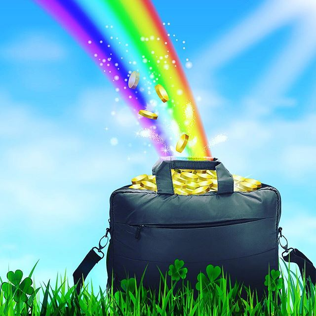 Get your Irish on! Happy St.Paddy's Day! #Ramble #BestBagsEver #LuckOfTheIrish #Green #Gold #Irish #Lucky #Clover #Shamrock #StPatricksDay #Rainbow #PotOfGold #HaveFun #RambleYourWay🍀🍀🍀