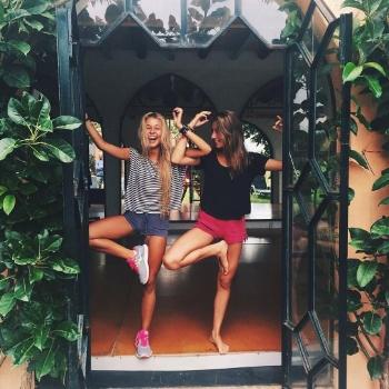Copines yoga.jpg