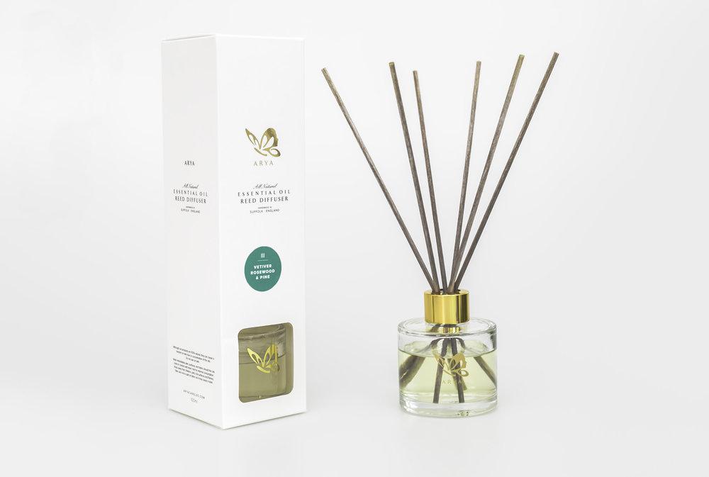 vetivert rosewood pine natural reed diffuser.jpg