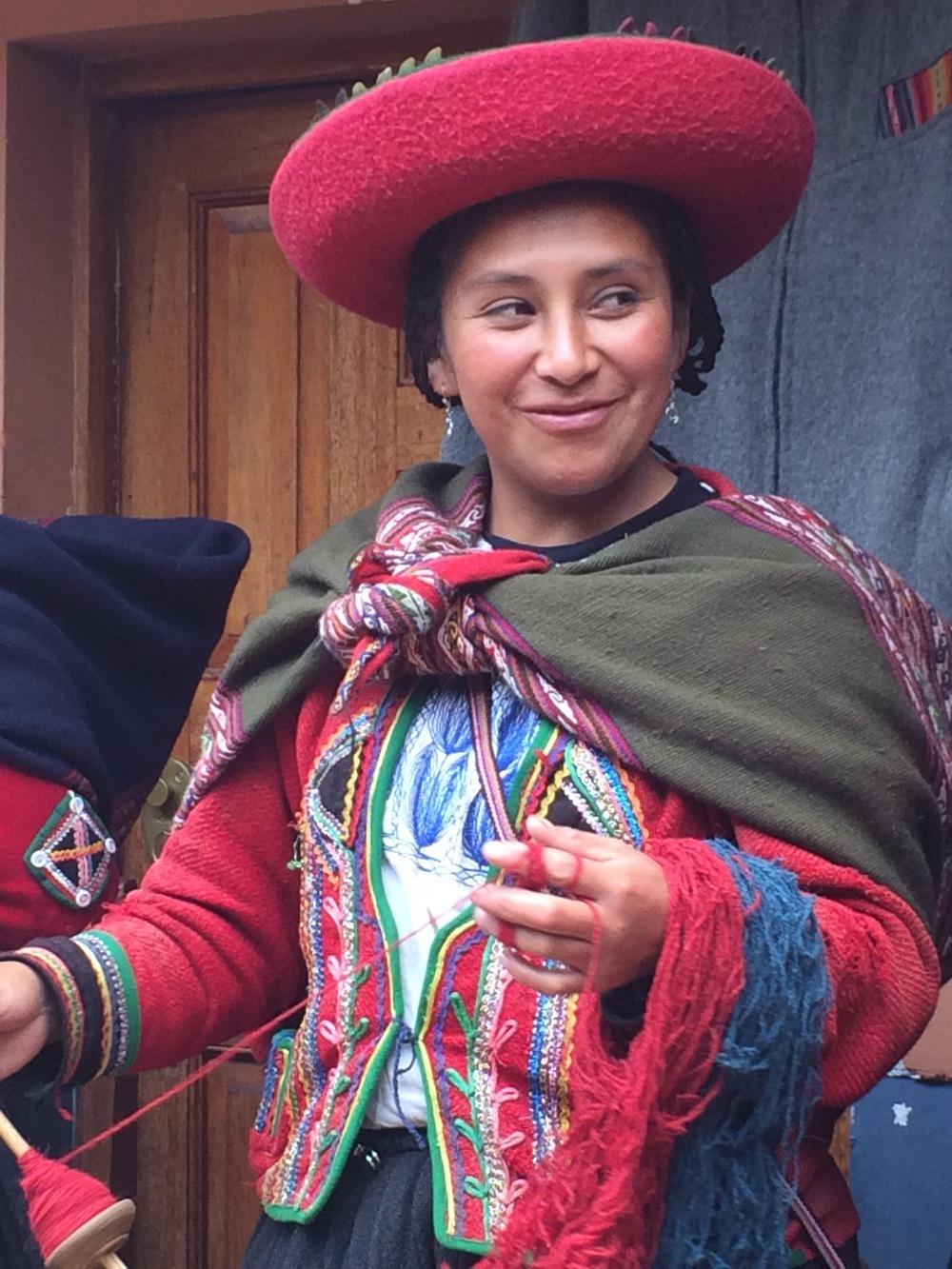 A spinning lesson in Chinchera, Peru