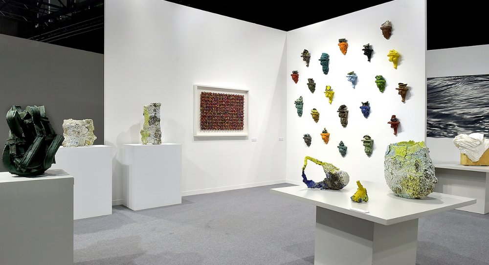 Works by Grant Aston, Aneta Regel, Michael Brennand-Wood, Heidi Bjørgan, Kari Dyrdal and Su Xianzhong featured at artgenéve 2018.