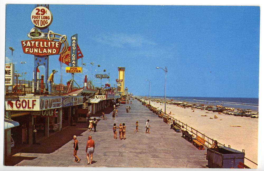 "Amusement Park - ""Satellite Funland"" (Daytona Beach, FL Postcard circa 1960)"